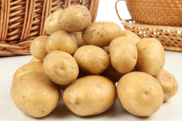 AKO SE PRAVILNO ČUVA, DUŽE ĆE DA TRAJE: Saveti za pravilan odabir i pripremu krompira