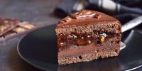 Čokoladni kolač sa karamelom
